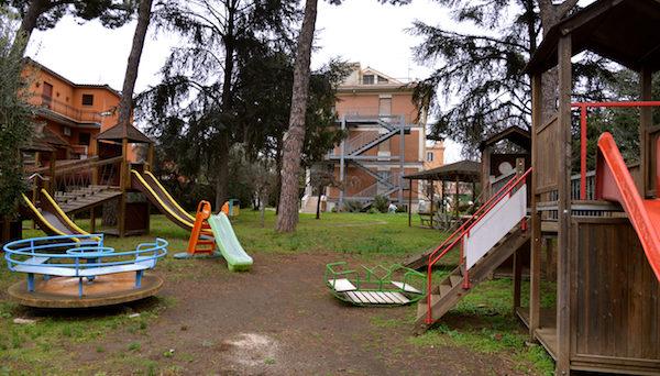 parco-giochi-scuola-frattocchie